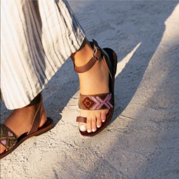 0d5efb330b2 Free People Torrence Flat Sandals Brown Leather